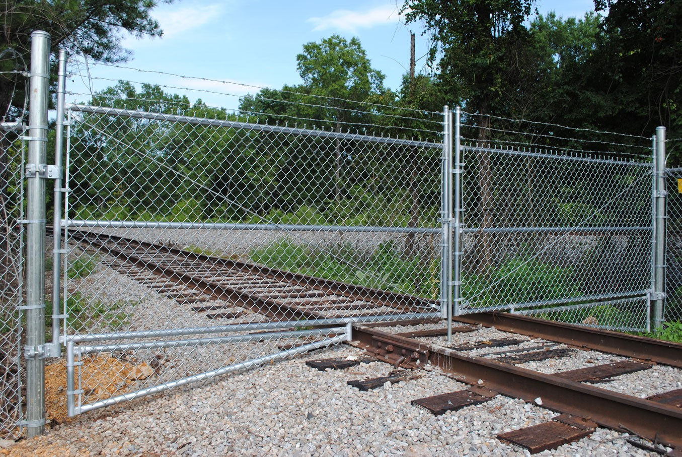 Commercial Chain Link Fence Anniston AL | The Fence Place